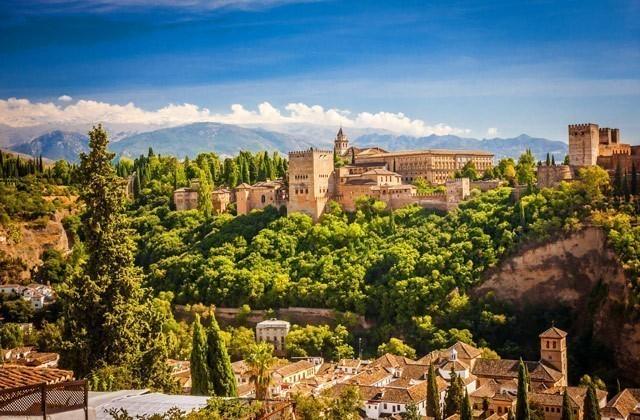 La Alhambra ofrece visitas guiadas a 'La Granada zirí y el universo beréber'