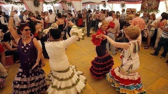 Los andaluces, los habitantes que mejor caen al resto de España