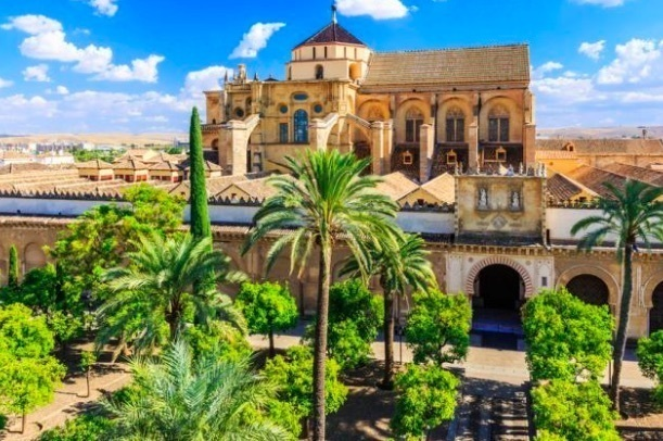 El gasto de los turistas que visitan España aumenta un 6,5% en los diez primeros meses del año