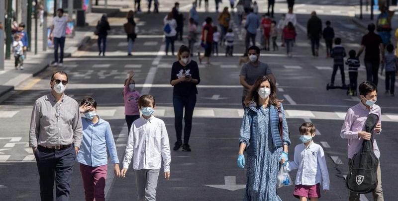 España contiene los nuevos contagios de Covid-19 a 177, la mitad ...