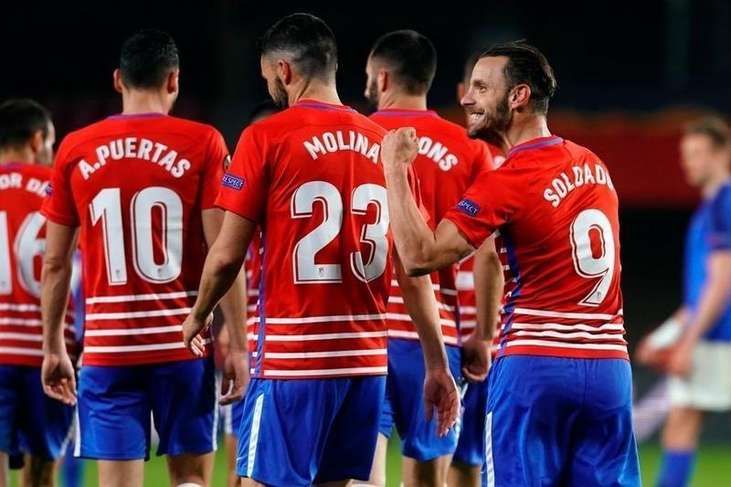 Granada 2-0 Molde, los andaluces ponen pie y medio en los cuartos de final de la Europa League